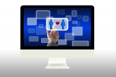 computer screen choosing love