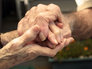 bigstock_Old_Couple_Holding_Hands_2041049